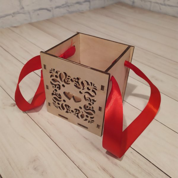Декоративное кашпо квадратное 2