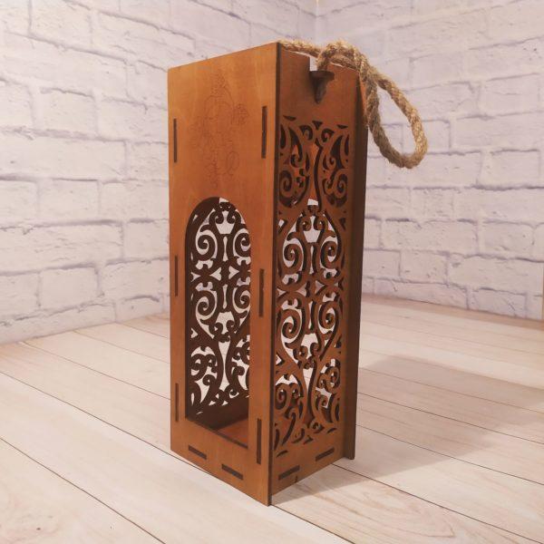 Коробка для бутылки резная