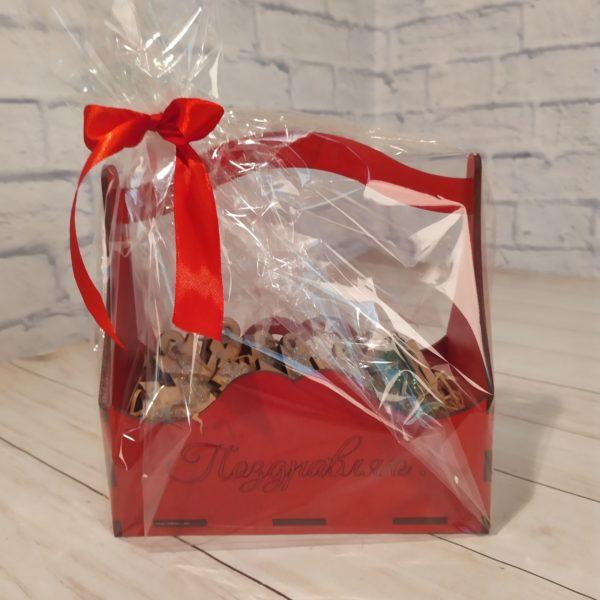 Подарочный набор в красной корзине 1
