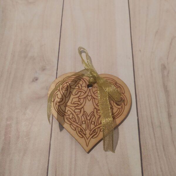 Сувенир из фанеры Сердце 1