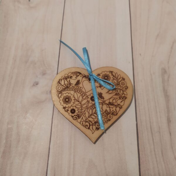 Сувенир из фанеры Сердце 2