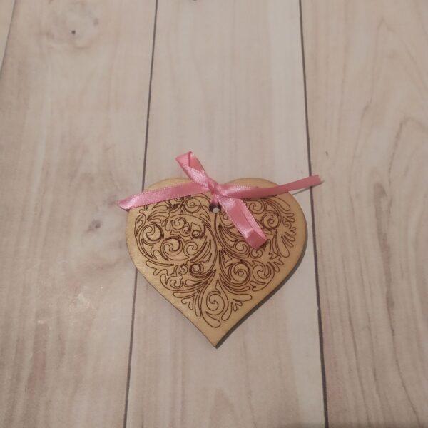 Сувенир из фанеры Сердце 3